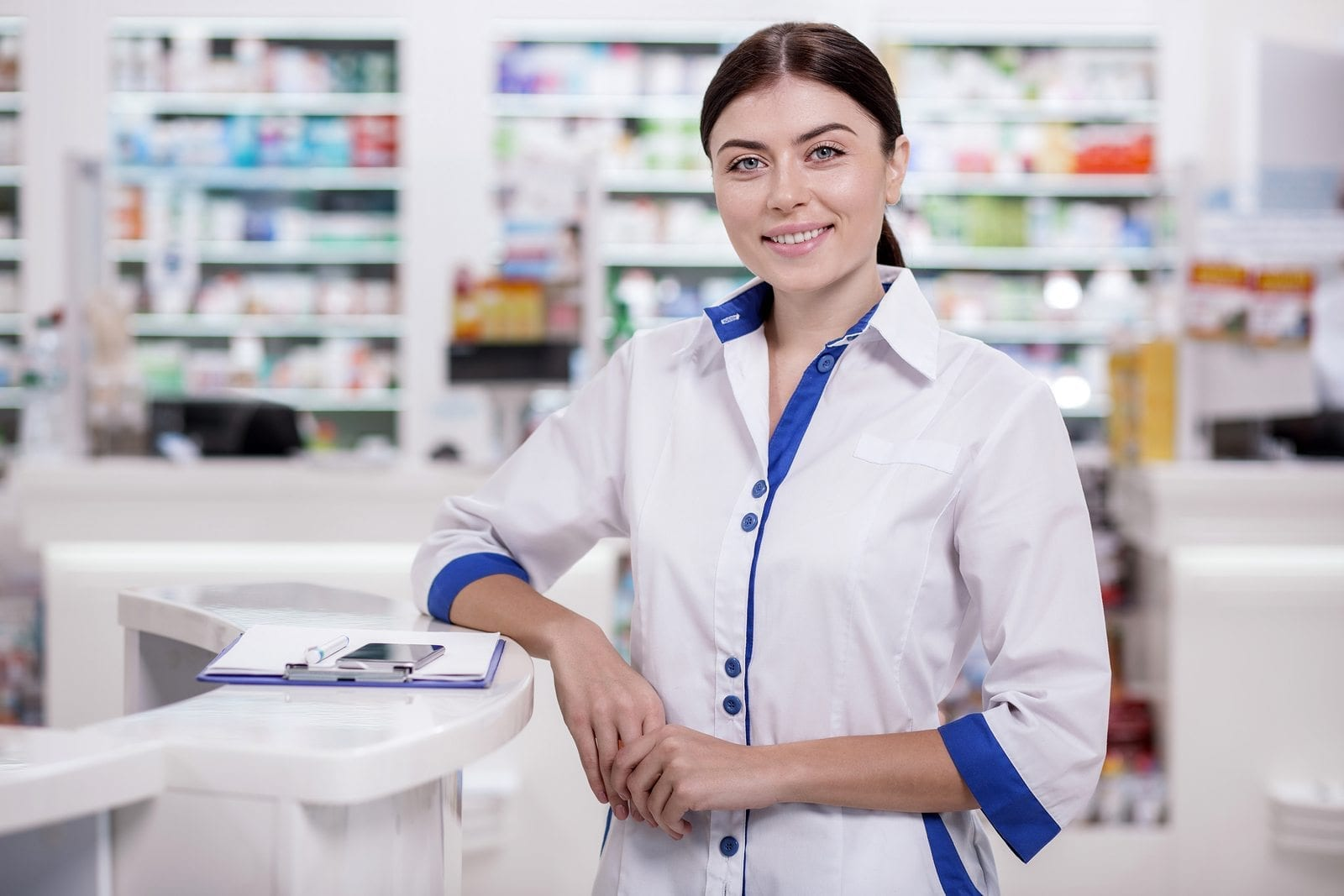pharmacy technician essay Most pharmacy technicians work in community and hospital pharmacy pharmaceutical production or sales in the pharmaceutical industry prisons, primary care organisations, education and training, the military, veterinary pharmacy and pharmacy organisations.